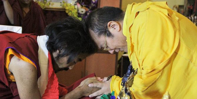 Das erste Wiedersehen zwischen Yongey Mingyur Rinpoche und Khenting Tai Situ Rinpoche. Foto: Paul McGowan